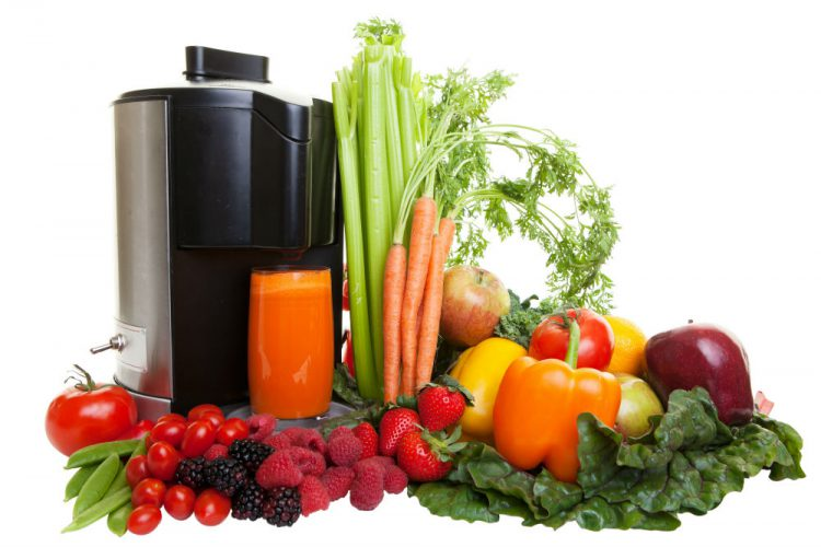 Cold Press Juicer vs Blender Which One is For You